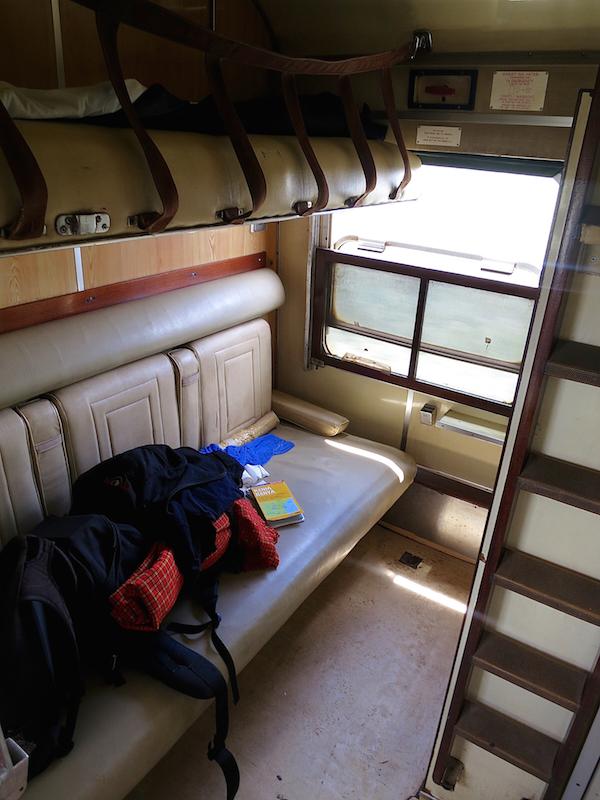 Das funktionale 1. Klasse-Abteil taugt nicht einmal zum Wegsperren des Rucksacks - es lässt sich nicht abschließen.